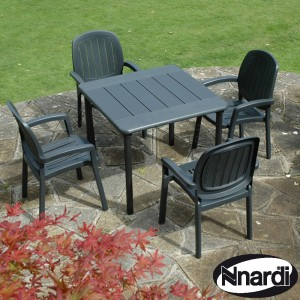 90cmx90cm Maestrale 90 Table with 4 Kappa chairs