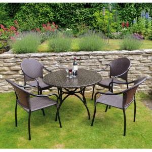 Fleuretta Patio table with San Tropez