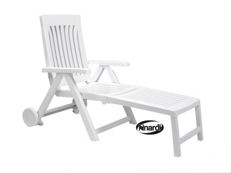 Achille lounger in white