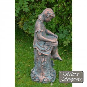 Daphne garden statue right hand side view