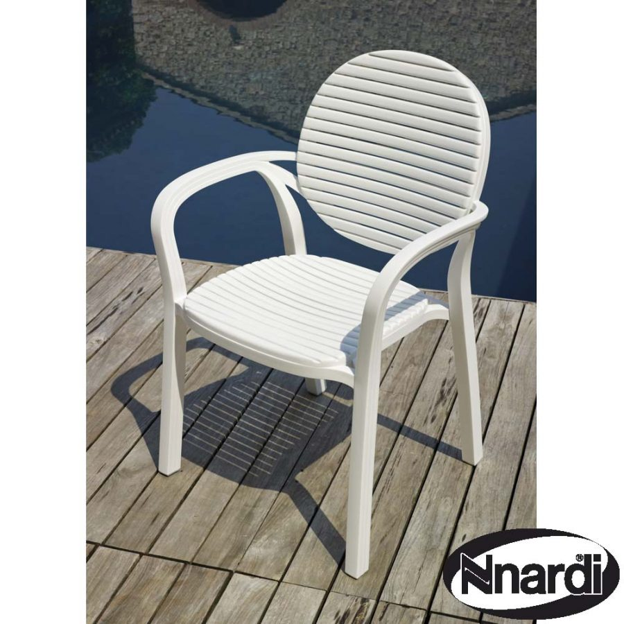 Gardenia Chair in white