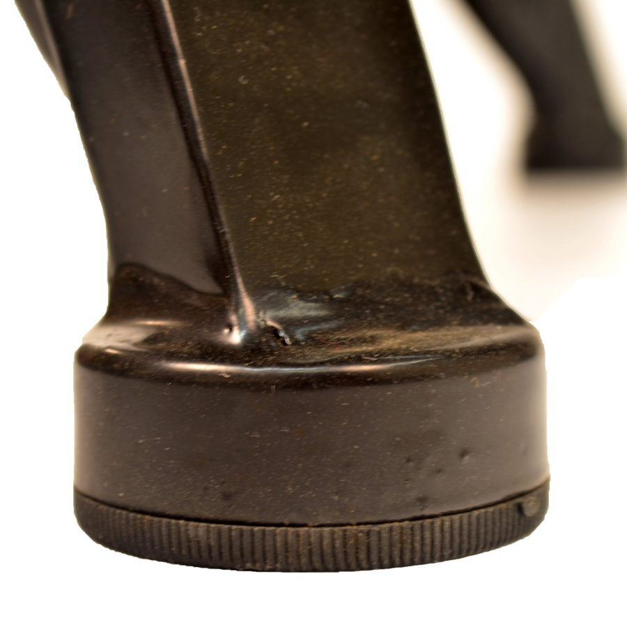 Miranda table leg