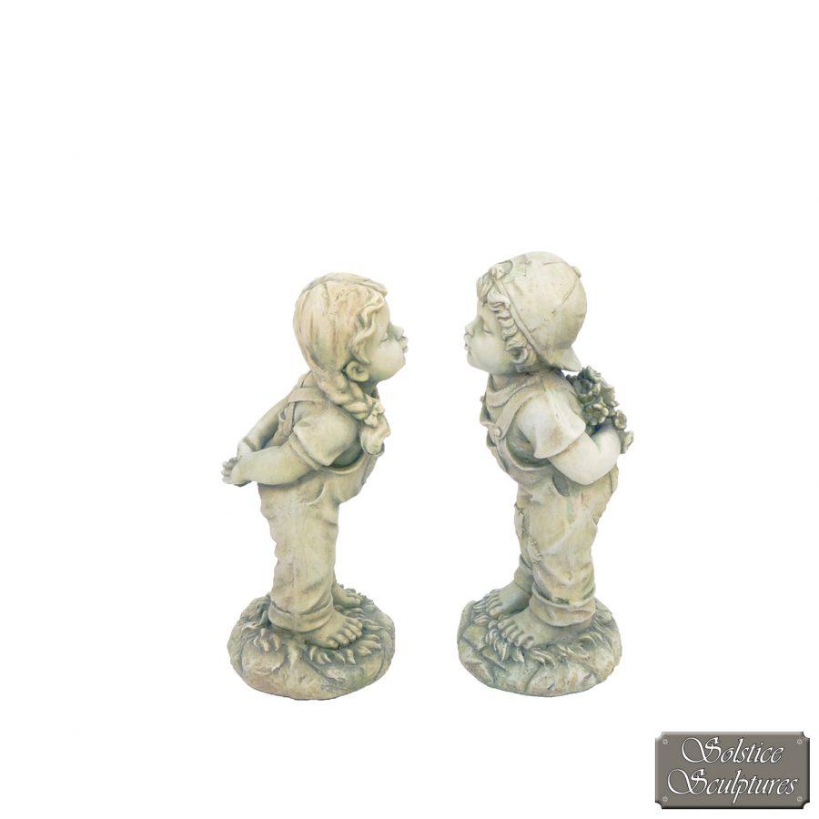 Hannah & Henry statues
