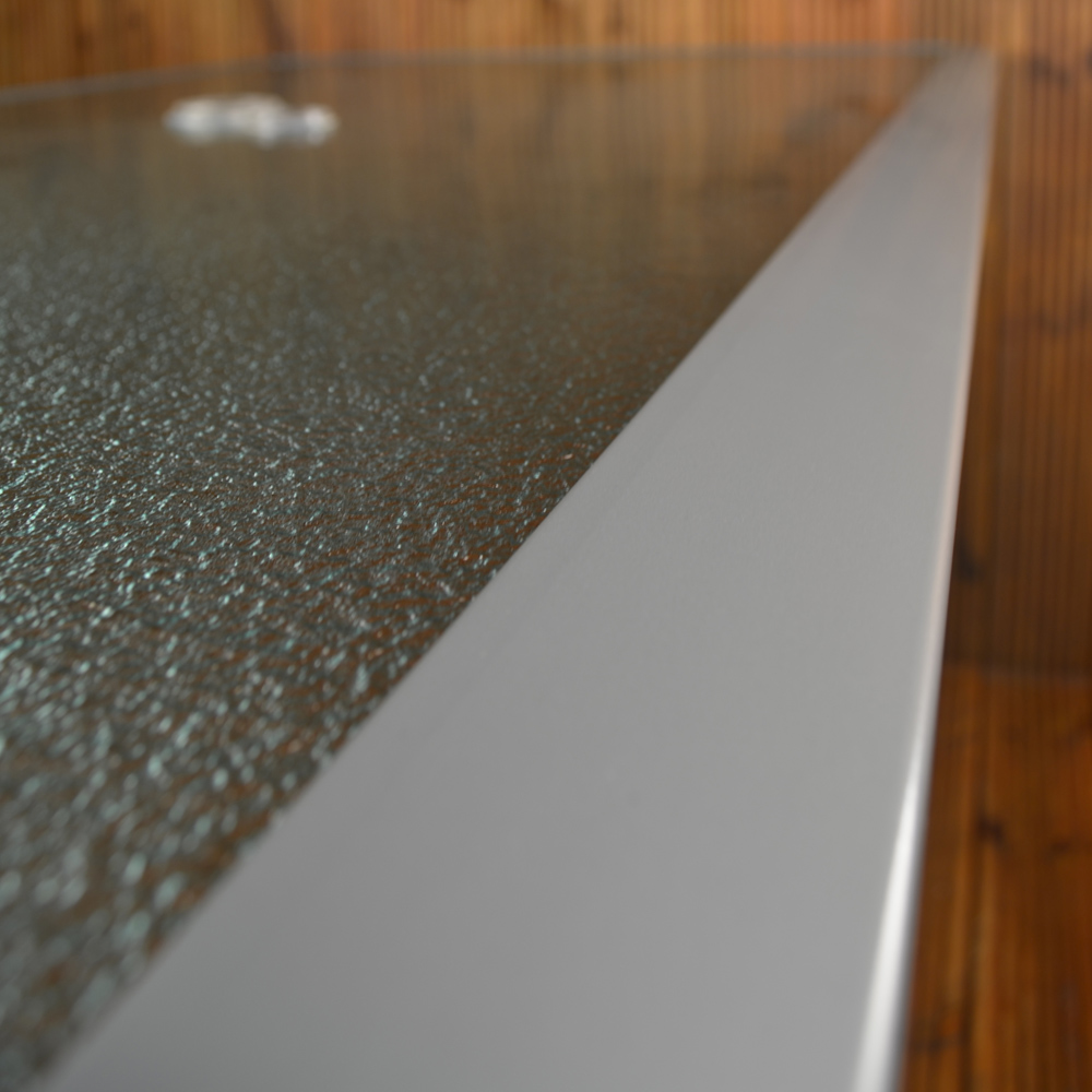 Lisbon rectangular table close-up