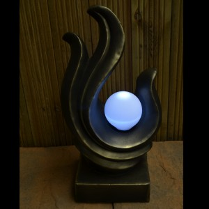 Solar Sculpture / lamp in dark