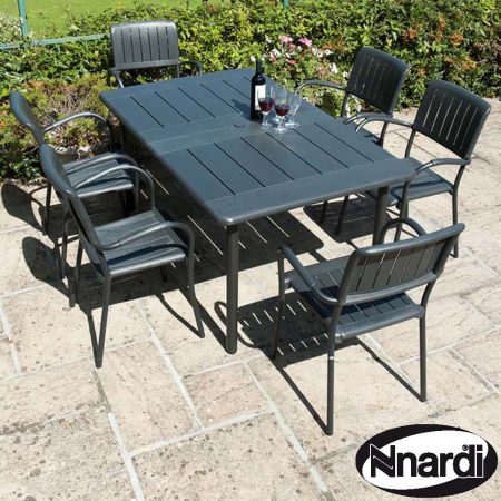 Anthracite Maestrale 220 with 6 Musa Chairs