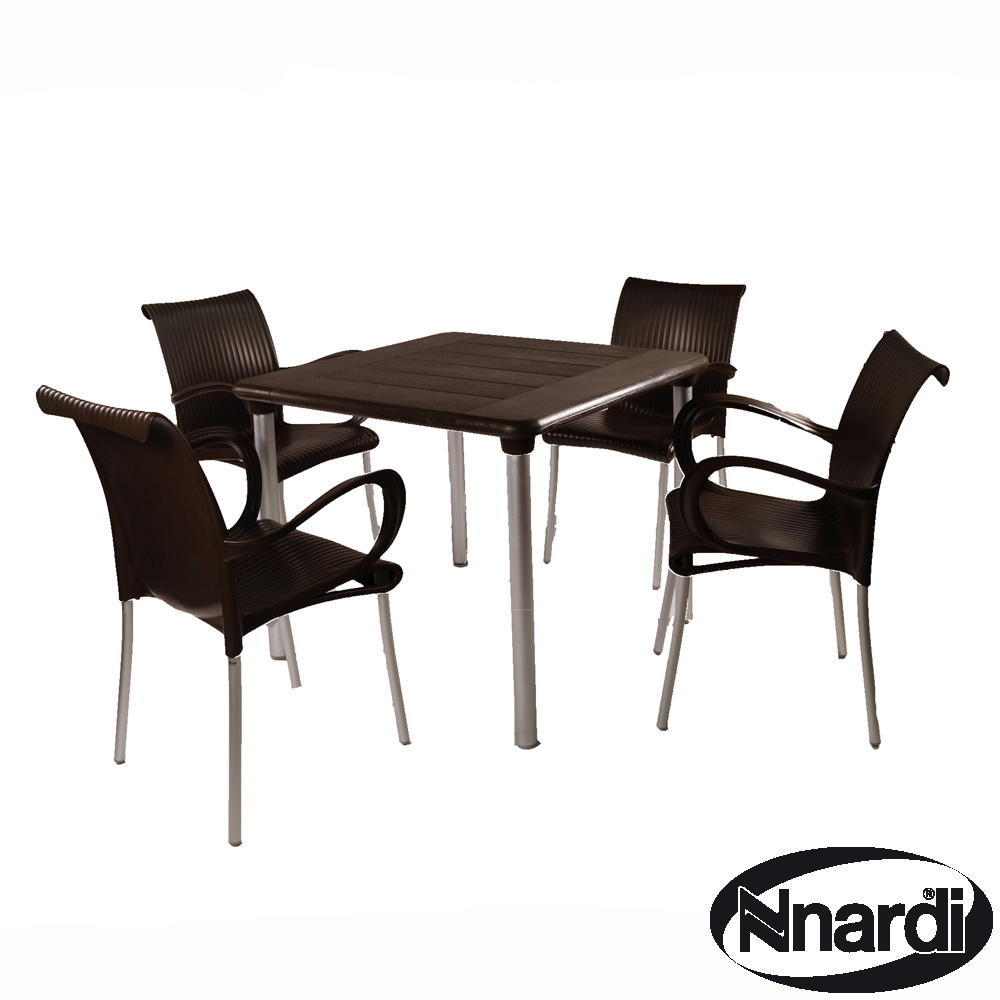 Maestrale 90 with 4 Dama chairs in Coffee