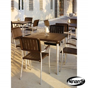 Maestrale table with Musa chairs