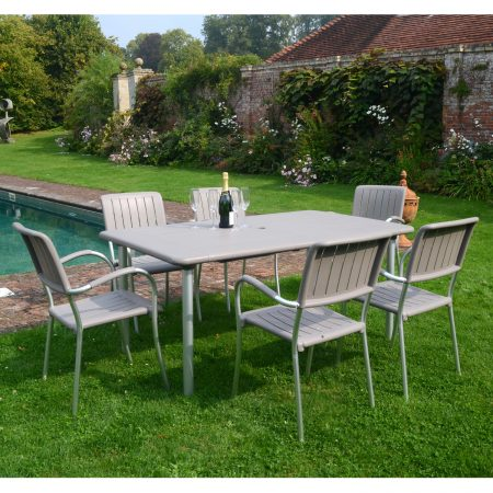 Maestrale 220 with 6 Musa chairs in Turtle Dove