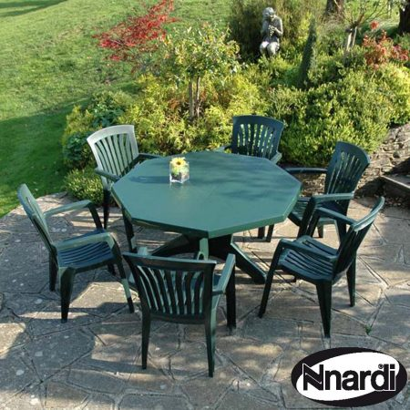 Green Olimpo table with 6 Diana chairs