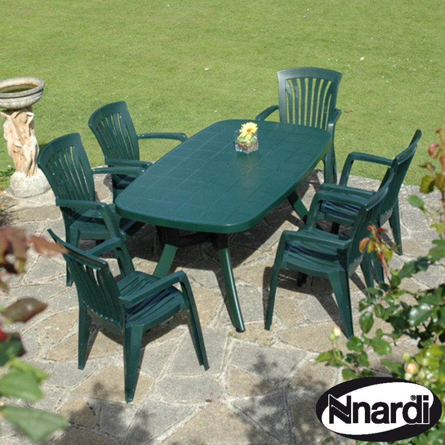 Toscana 165 with 6 Diana chairs in green