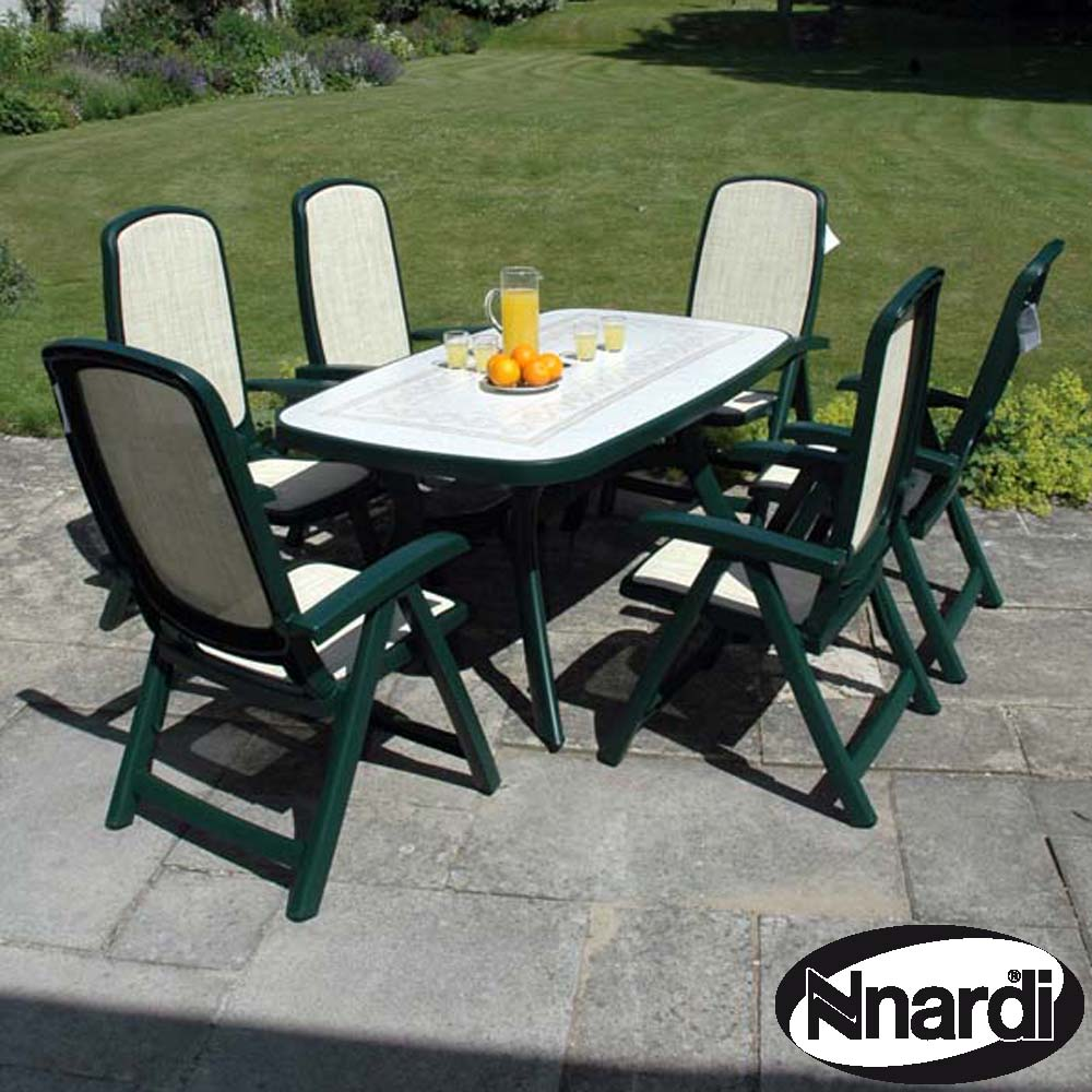 Green Toscana 165 Ravenna With 06 Green Delta Chairs