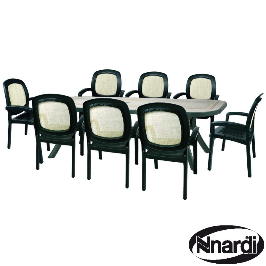 Toscana 250 with 8 Beta chairs