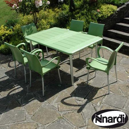 Maestrale 220 table in Lime with 6 Dama chairs