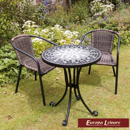 Lagos table (61 cm) with San Remo Chairs