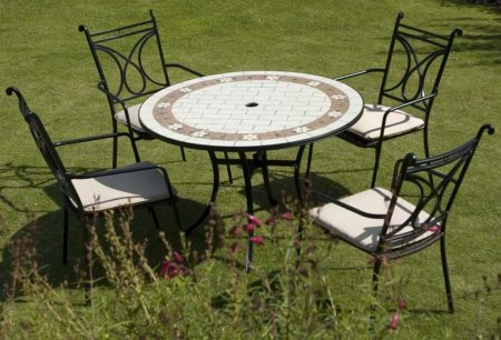 Sofia table with Treviso (inc pads)
