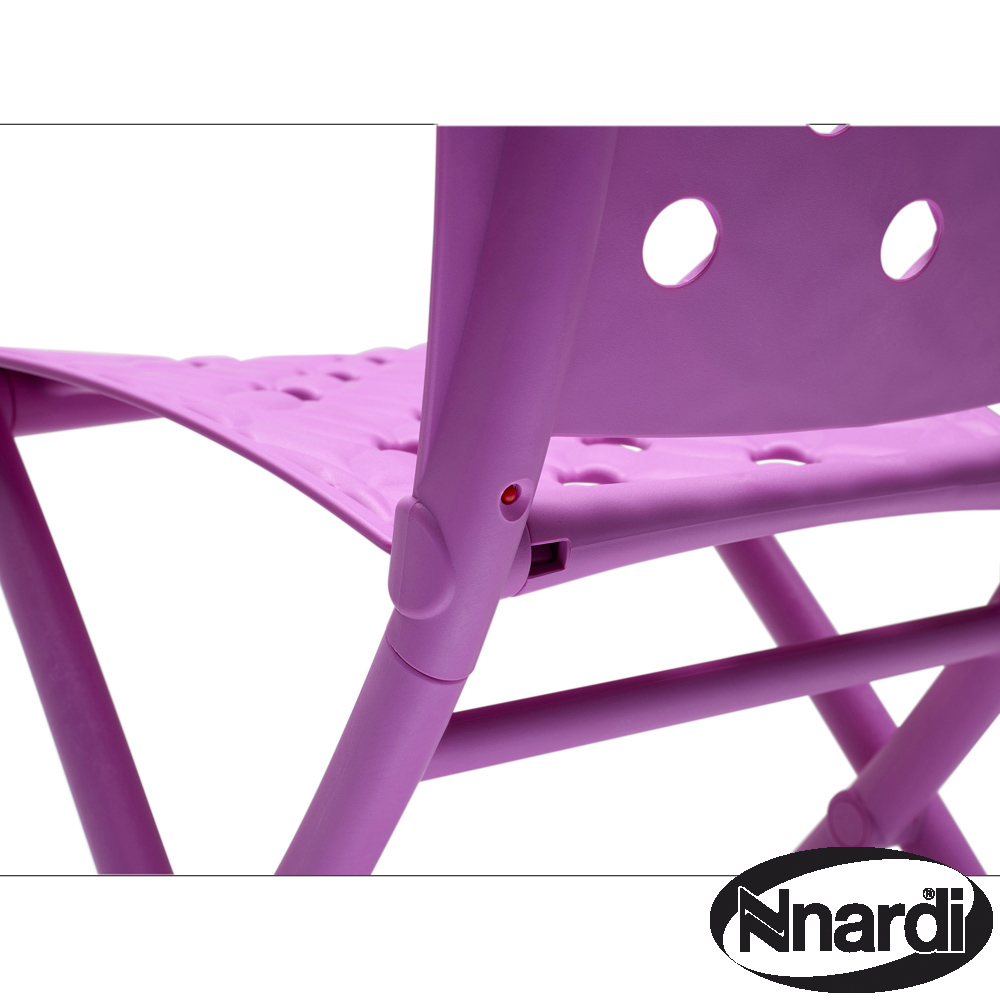 Zic Zac Chair Purple close-up