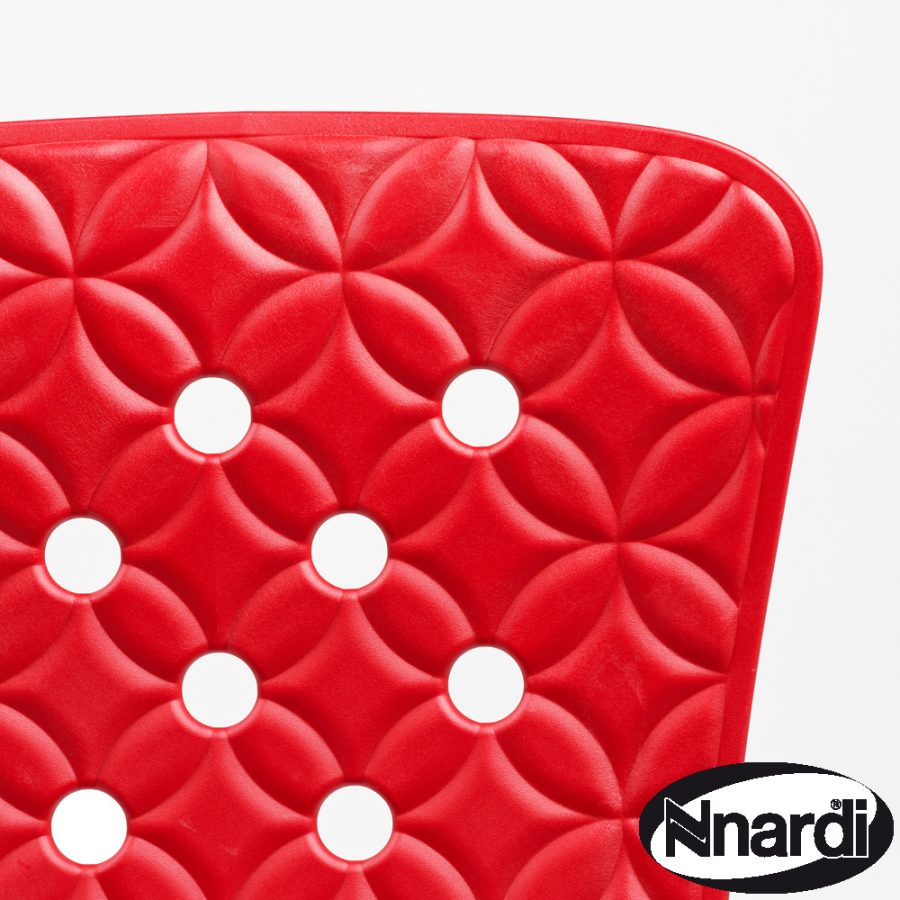 Zic Zac Chair Red close-up