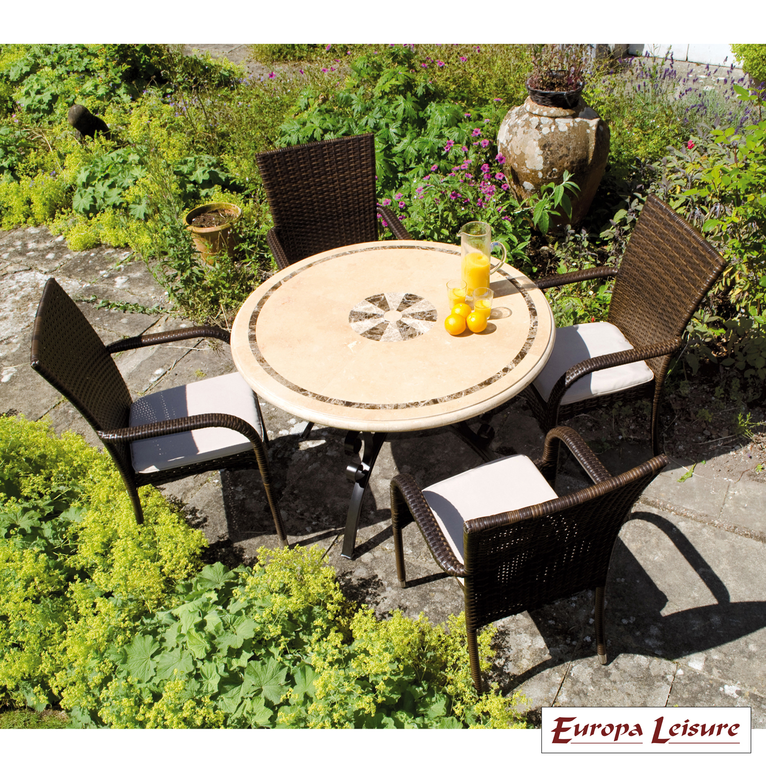 Savona table with Castello chairs