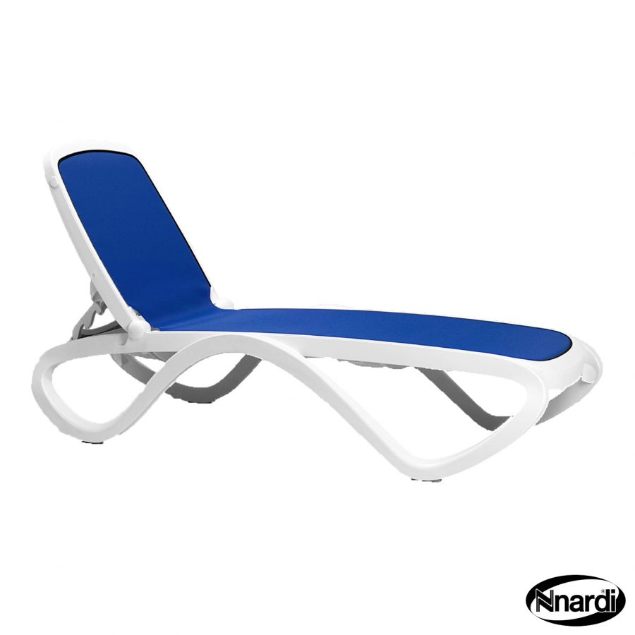 Omega sunlounger in Blue & White