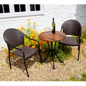 Dalarna Bistro table with San Tropez chairs