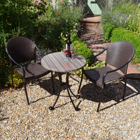 Kalmar Bistro Table with San Tropez Chairs