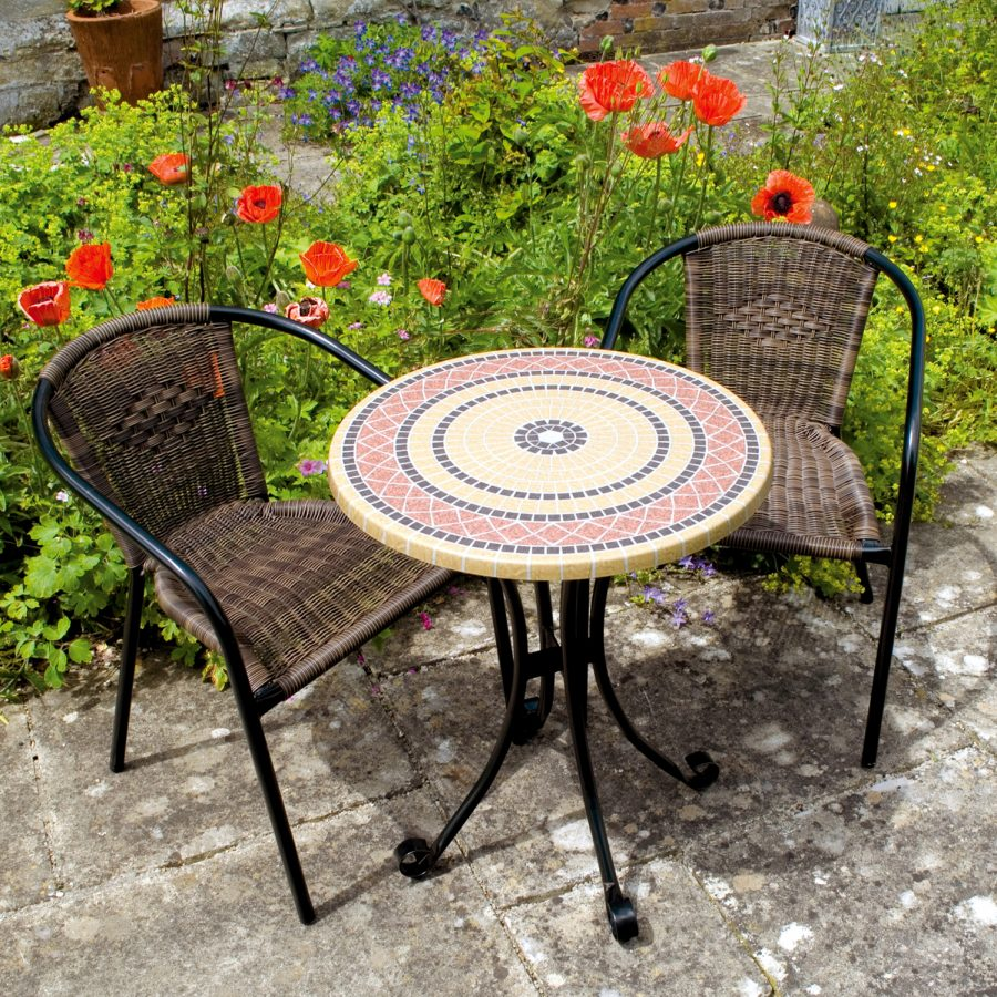Mataro bistro set with San Remo chairs