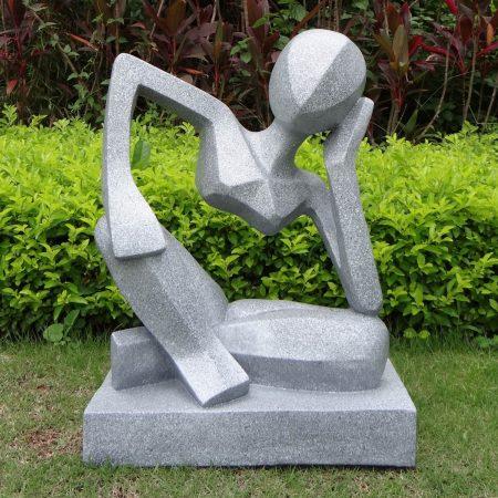 Cassis garden statue