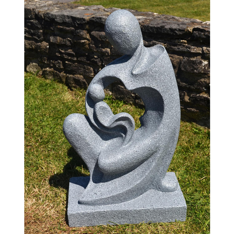 Dolina garden statue