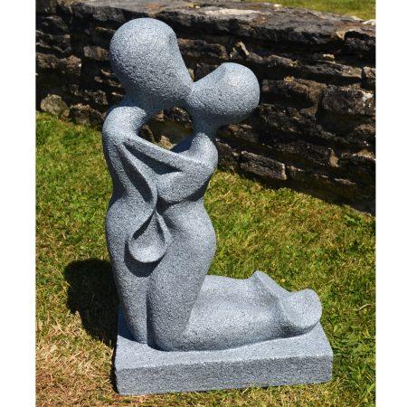 Kamen garden statue
