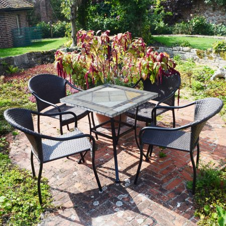 Vinaros table with 4 San Tropez chairs