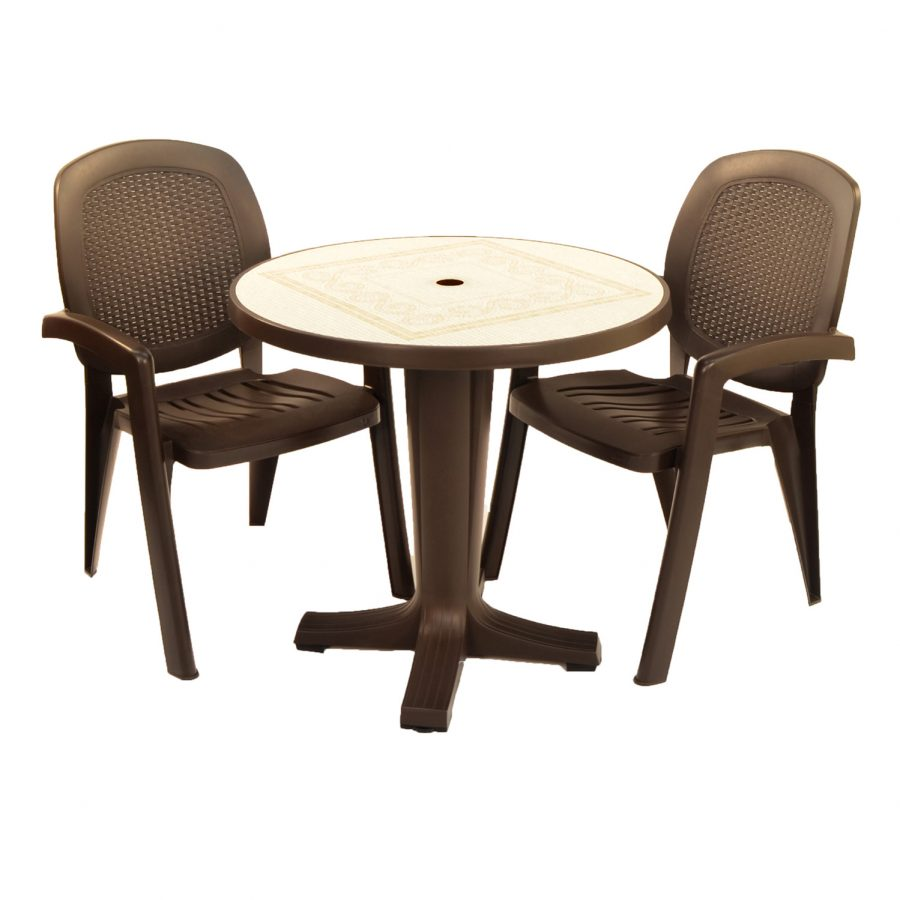 Marte 78 table with Creta wicker chairs