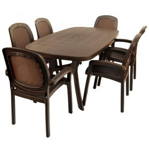 Toscana 165 plain coffee top with Beta chairs