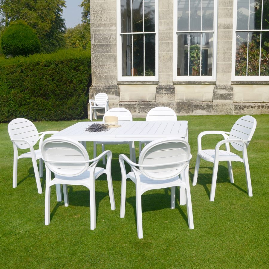 White Alloro Standard with 6 White Palma Chairs