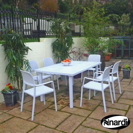 Libeccio Table with 6 Bora chairs all in white