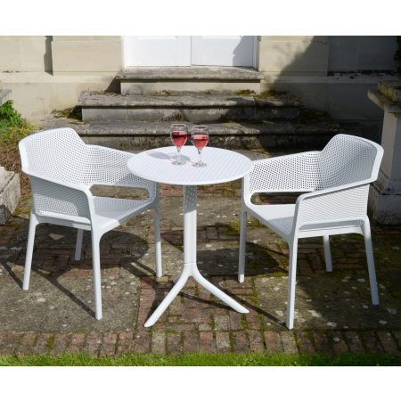 Net chairs with Step table white