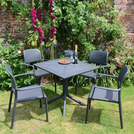 Clip Table with 4 Bora Chairs in Anthracite Grey