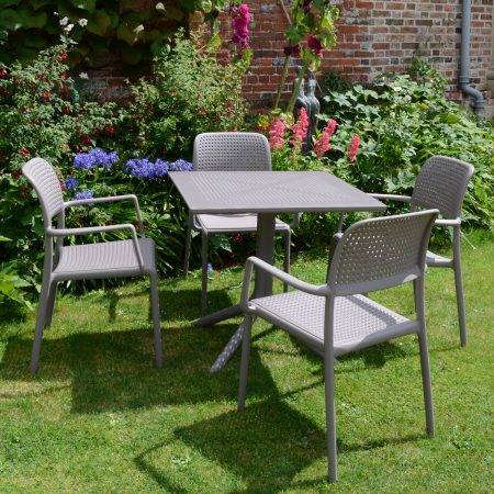 Clip Table with 4 Bora Chairs in Turtle Dove Grey