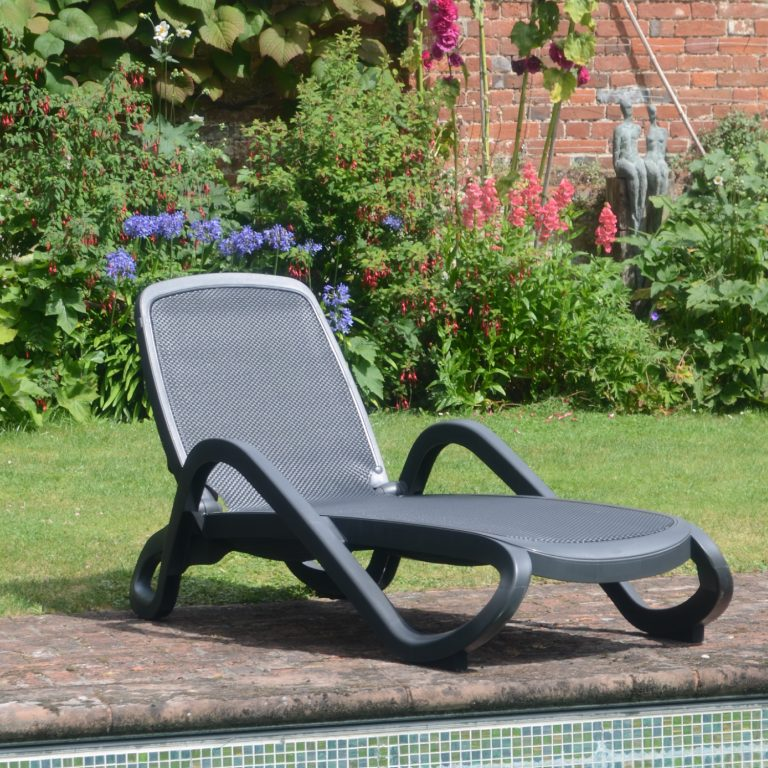 Alfa lounger in Anthracite