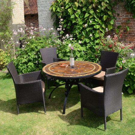 Santa Suzanna table with 4 brown Stockholm chairs