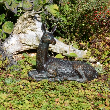 DEER LYING SMALL 30CM ALUMINIUM DARK VERDIGRIS OUTDOOR