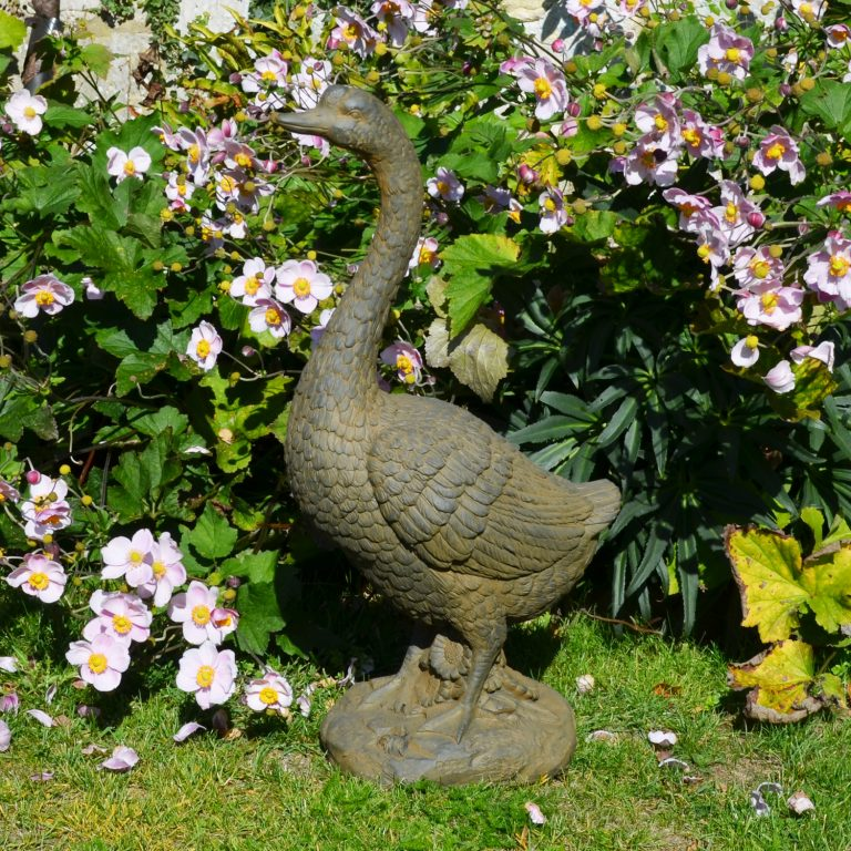 GOOSE TALL 70CM RUST EFFECT OUTDOOR