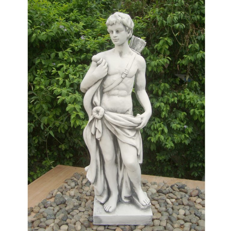 HECTOR HUNTER BOY 83CM WHITE STONE EFFECT OUTDOOR