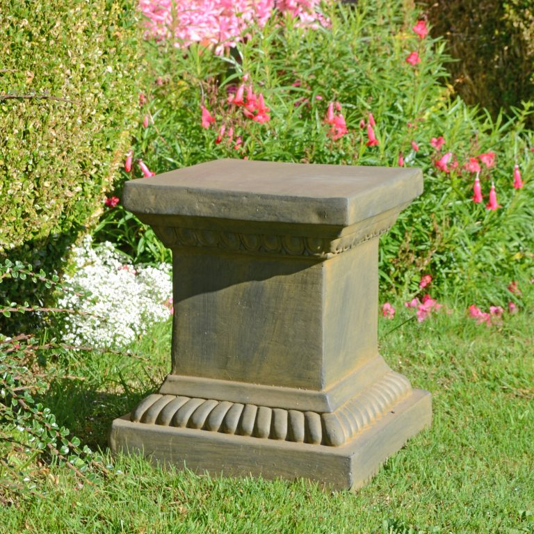 PLINTH SQUARE LOW 36CM RUST EFFECT OUTDOOR