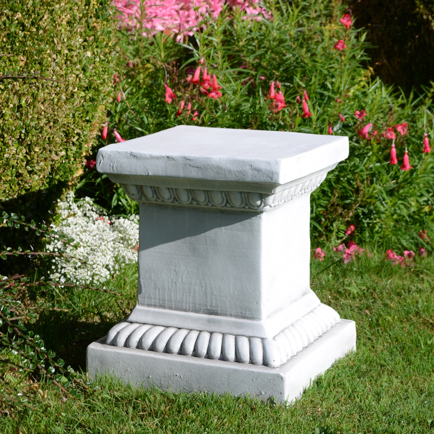 PLINTH SQUARE LOW 36CM WHITE STONE EFFECT OUTDOOR