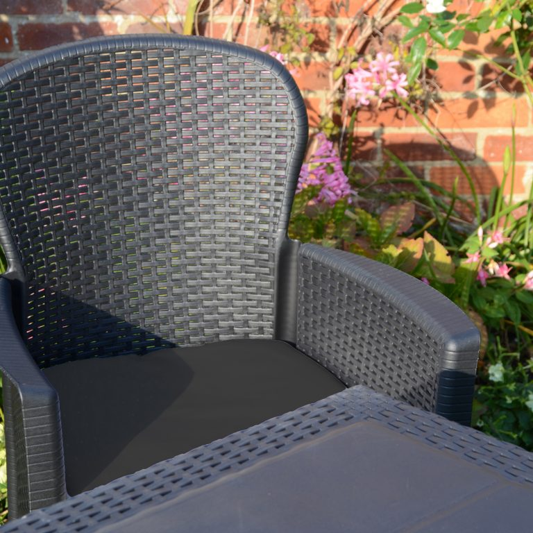 SALERNO DINING TABLE WITH 6 SICILY CHAIRS SET ANTHRACITE OUTDOOR DETAIL