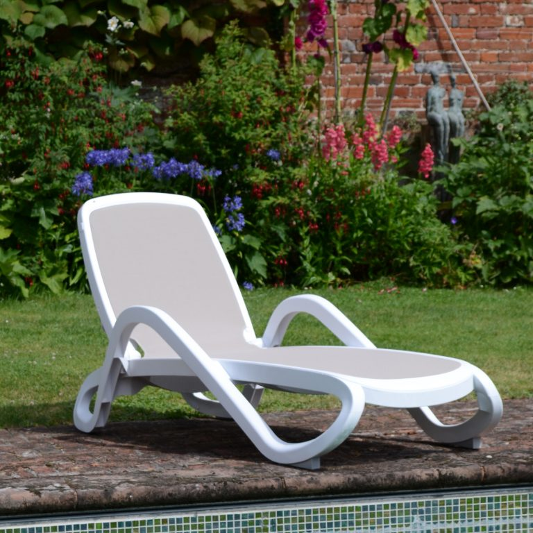ALFA LOUNGER WHITE TURTLE DOVE LS1
