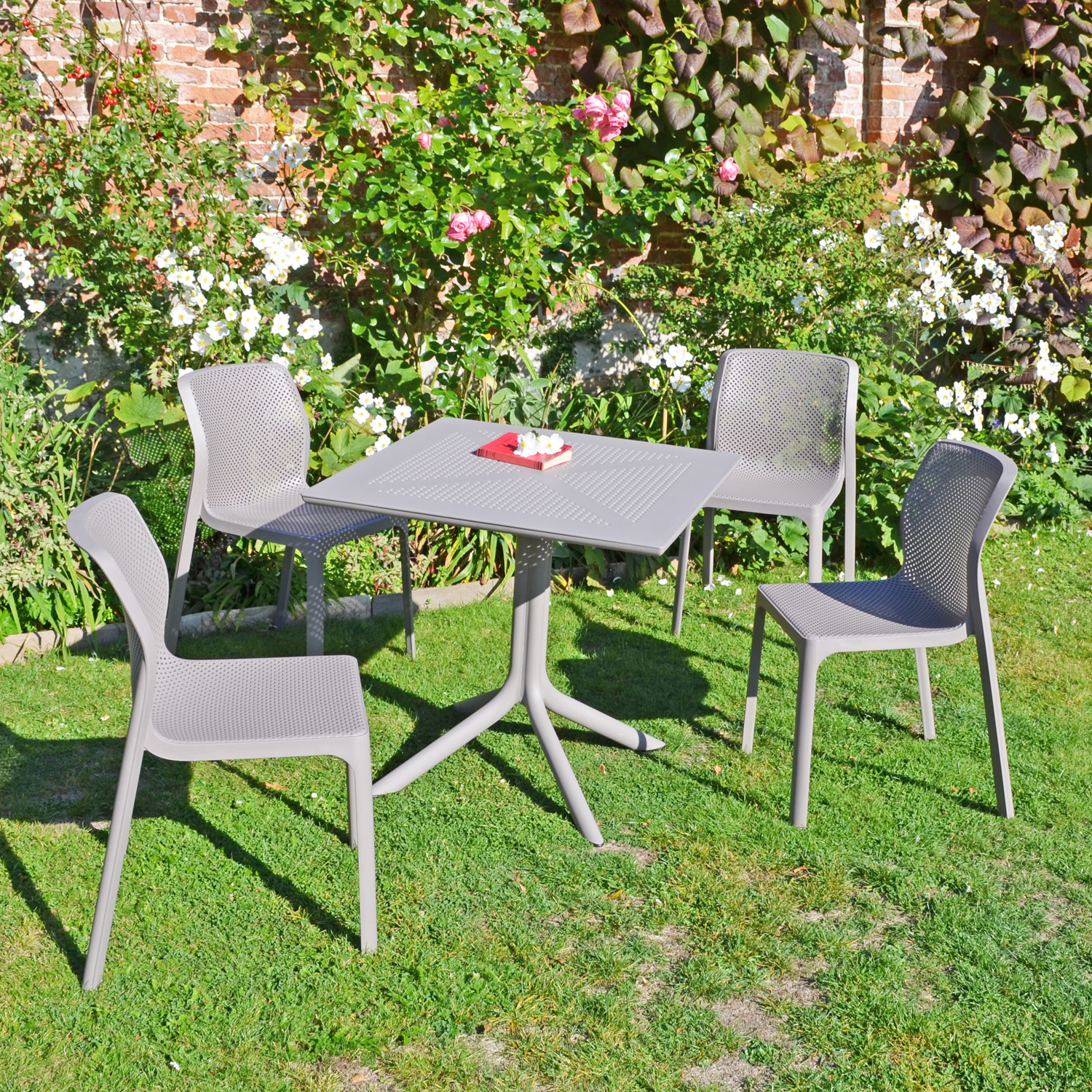 CLIP DINING TABLE WITH 4 BIT CHAIR SET TURTLE DOVE LG1